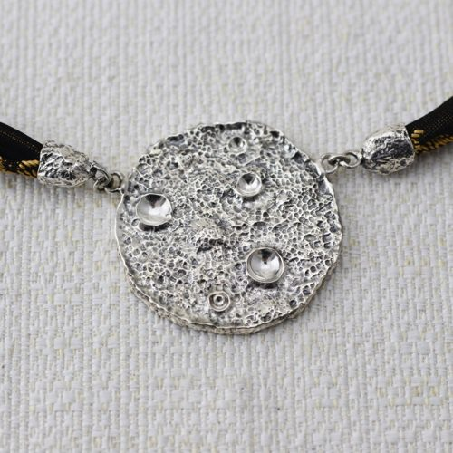 Collana Full Moon Large con Broccato Nero e Oro 2