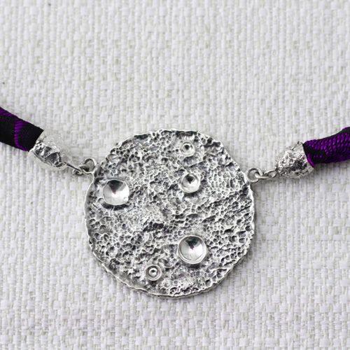 Collana Full Moon Large con Broccato Nero e Viola 2
