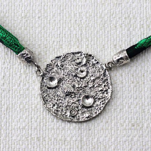Collana Full Moon Large con Broccato Nero e Verde 2