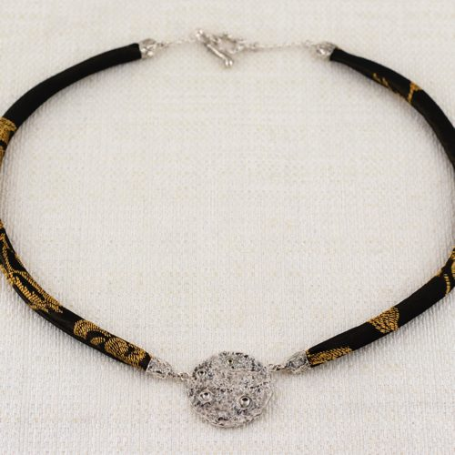 Collana Full Moon Small con Broccato Nero e Oro 1