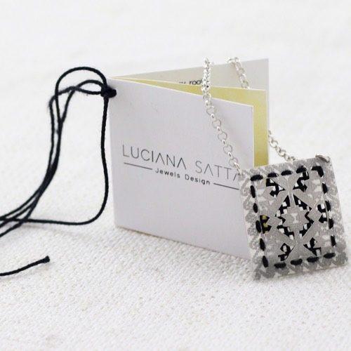 """Data li di cuscini"" Cotton Necklace . (Pattern detail) ""Li Trami- Aggius"" Collection 1"
